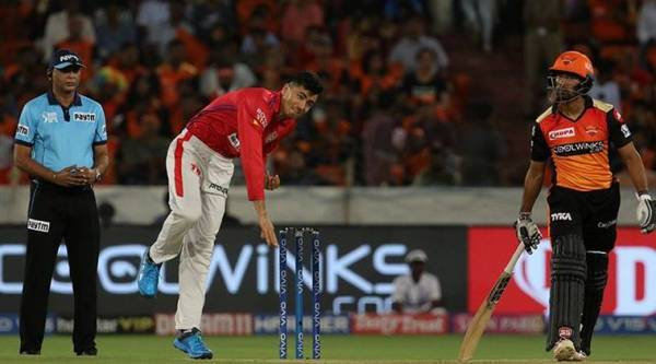 Mujeeb Ur Rehman bowls during SRH vs KXIP
