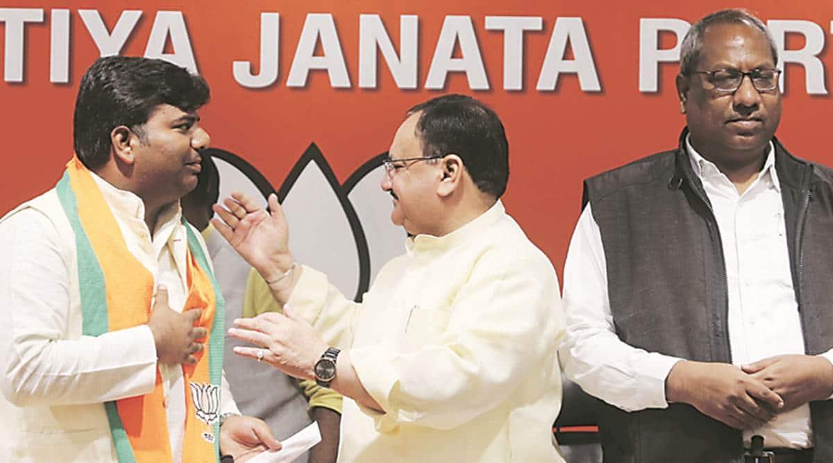 lok sabha elections 2019, Praveen Kumar Nishad, nishad party, nishad party joins BJP, akhilesh yadav, gorakhpur mp joins bjp, grand alliance, lok sabha elections, lok sabha polls, general elections 2019, election news, indian express