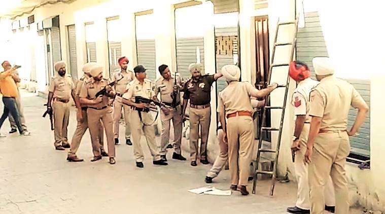 Head constable suspended for 'aiding' drug peddlers in Ferozepur