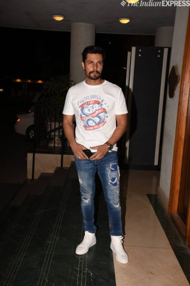 Randeep Hooda at Manoj Bajpayee birthday
