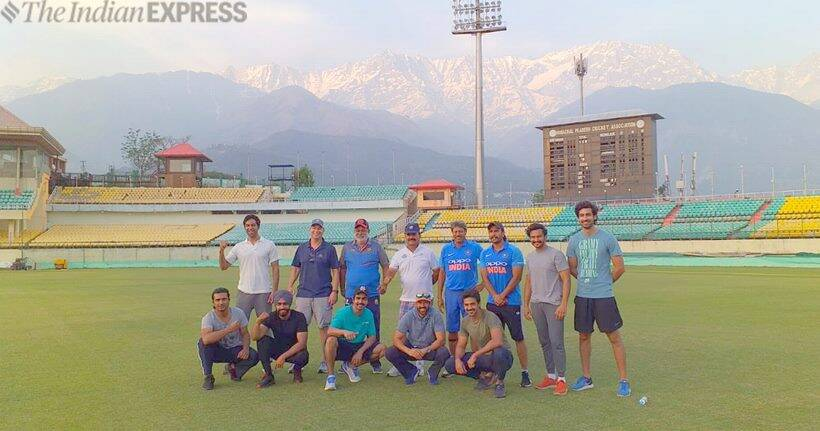 83 cast and crew at dharmshala