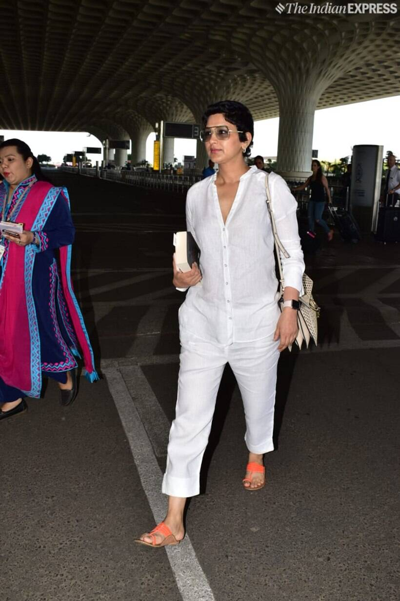 sonali bendre at airport