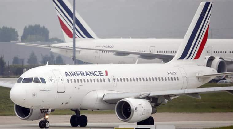air france, air france emergency landing, air france mumbai paris, air france mumbai to paris emergency landing