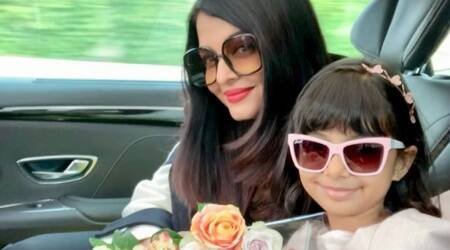 Aishwarya Rai Bachchan, Aaradhya arrives at Cannes film festival 2019 759