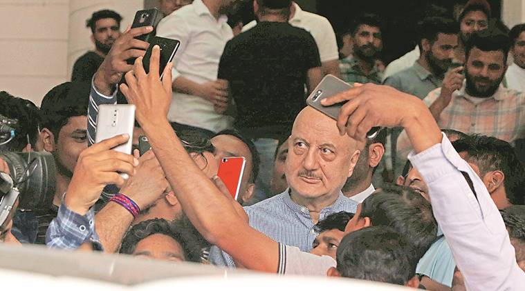 I'm a voice without joining any party: Anupam Kher