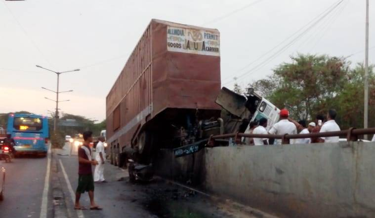 accident,UP. car, truck, seven died, Indian express