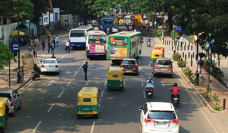 bangalore traffic fines, bengaluru new traffic fines, bengaluru traffic police, 30 lakh fine collected in 36 hours, Motor Vehicle Act Ammendment, 17,000 from scooter rider, BR Ravikanthe Gowda, Bangalore news, Bengaluru latest news