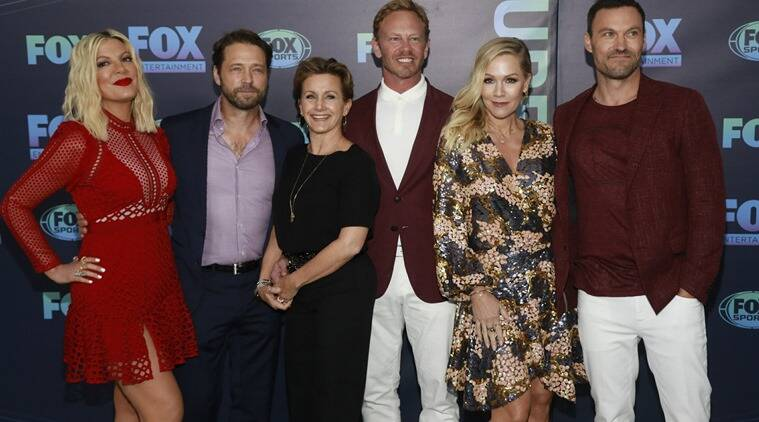 Beverly Hills, 90210 cast preps reboot