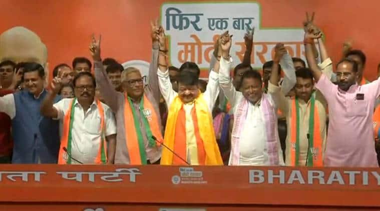 tmc mlas join bjp, tmc mlas bjp, trinamool congress, Kailash Vijayvargiya, west bengal assembly elections, bengal bjp, tmc councillors, Subhrangshu Roy, mukul roy, indian express