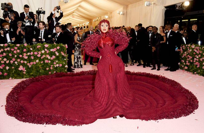 priyanka chopra, priyanka chopra met gala, priyanka chopra met gala 2019, met gala 2019, met gala, met gala best looks, met gala worst looks, met gala photos, met gala 2019 photos, met gala indian express, met gala 2019 indian express, lady gaga, dramatic looks met gala, dramatic looks met gala indian express, jared leto, ezra miller, michael urie, cardi b, men fashion met gala, male celebs met gala 2019, billy porter met gala, indian express news