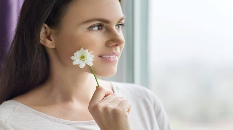 Chamomile Tea, benefits of chamomile, camomile, indianexpress.com, lifestyle, chamomile infusion, period pain, PMSing, relaxes uterus, stress, relieve stress, skin issues, dandruff