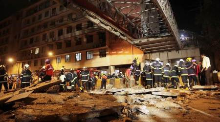 Mumbai CSMT foot over bridge, Mumbai CSMT foot over bridge collapse, CSMT foot over bridge collapse, foot over bridge collapse Mumbai, Mumbai foot over bridge collapse, Mumbai news, city news, Indian Express