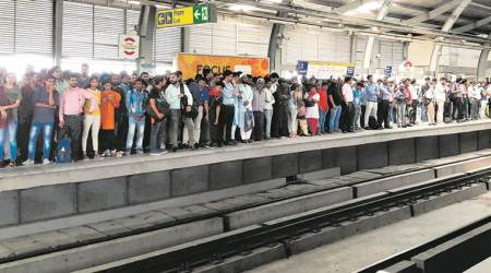 sucide at Dwarka Mor metro station, man killed himself in front of moving train, sucide in metro line, delhi news, indian express news