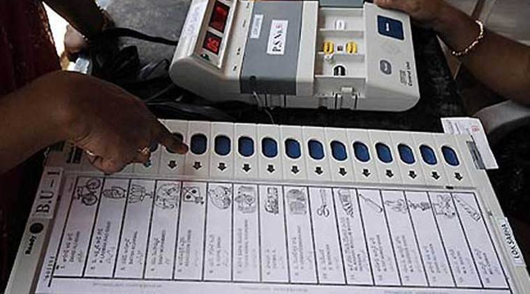 EVM, EVM button press, fake news evm, how to vote, how to vote evm, how vvpat works, lok sabha elections 2019, indian express news, election news