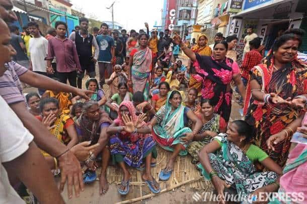 cyclone fani, cyclone odisha, cyclone fani aftermath, cyclone fani aftermath photos, cyclone fani odisha, odisha cyclone, fani cyclone, cyclone fani news, Bhubaneswar cyclone cyclone fani updates, cyclone fani news updates, cyclone fani death toll, cyclone fani relief operations, india news, Indian Express