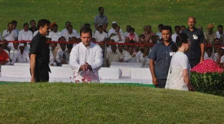 jawaharlal nehru death anniversary, nehru death anniversary photos, shanti vanm, rahul gandhi, sonia gandhi, hamid ansari, pranab mukherjee, manmohan singh, pm modi, congess pays homage, india news, indian express