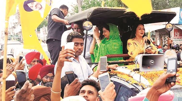 Three roadshows for Harsimrat in one day, Sunny and Hema add spark to campaign