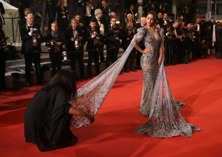 Ziad Nakad, Popular TV actor Hina Khan, Cannes Film Festival, Cannes 2019, festivaldecannes,bollywoodstylefile,#bollywoodfashion , ektakapoor, TVczar, Prasoon Joshi, Lines, Kargil War, short film Lines, TV actor Hina Khan debut,Kasautii Zindagii Kay, French Riveria, Rocky Jaiswal, boyfriend Rocky Jaiswal, short break in Paris, Eiffel Tower, Cannes, France, 72nd edition of Cannes International Film Festival, bollywood, Hindi TV industry, style fashion, indianexpress.com, indianexpressonline, indianexpress, beauty, lifestyle, bollywoodstyle, bollywoodfashion, indianfashion, celebstyle, celebrityfashion, indianstyle, afashionistasdiaries, indianfashionblogger, bollywoodstylefile, BiggBoss, hinakhan, sayalividya, gala event,