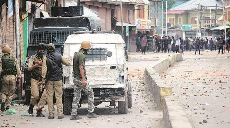 Kashmir encounter, Kashmir attack, Kashmir gunbattle, Jaish-e-Mohammed, Pulwama encounter, Shopian, Indian Express