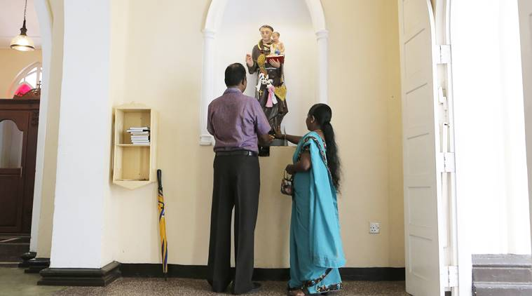 Lankan Catholics hold first Sunday mass since Easter attacks