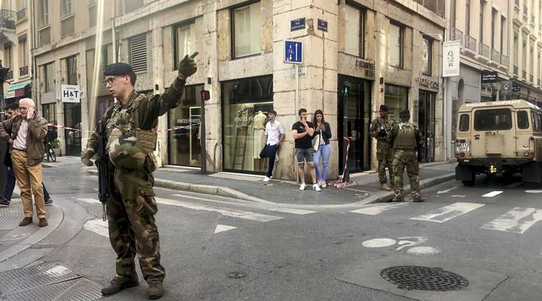 France small blast in lyon wounds 7 cause unclear