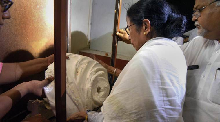 PM Modi says will build 'grand statue' of Vidyasagar, Mamata says don't need BJP's money
