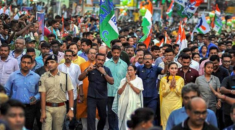QnA VBage Day after Bengal violence, Opposition rallies behind Mamata, slams poll body