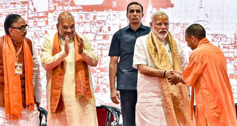 Narendra Modi, Modi in Varanasi, Modi in Varanasi photos, PM Modi in Varanasi, BJP, Amit Shah, Modi road show, kashi Vishwanath, Modi varanasi results, India news, Indian Express