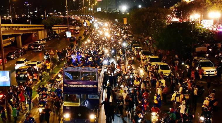 IPL 2019: Fans pour out on streets as Mumbai Indians take victory lap in open bus