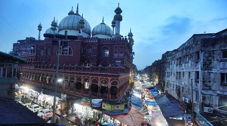 Kolkata mosques, separate entries for mosques, women special halls in mosques, Muslim women namaz, Bengal Imam Association, Indian express