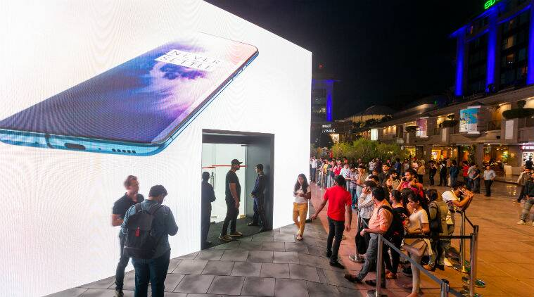 oneplus pop up shop, oneplus pop up shop delhi, oneplus pop up shop address, oneplus 7 pro, oneplus 7 pro features, oneplus 7 pro hands on, oneplus 7 pop shop pro, oneplus 7 pro pop up, oneplus 7 pro pop up shop Delhi