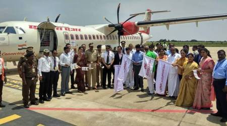 Pratap-Simha-Sa-Ra-Mahesh-GT-Devegowda-Mysore-Bangalore-flight-flag-off-Mysuru-Bengaluru-Air-Alliance-UDAAN-UDAN