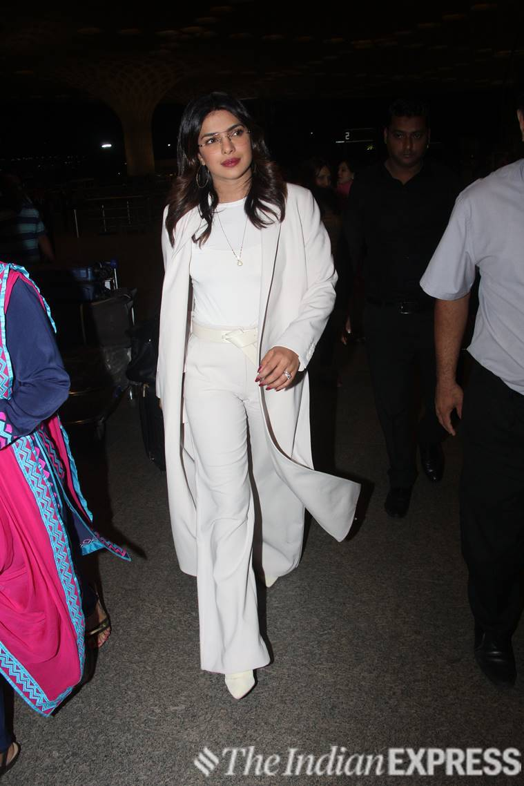 priyanka chopra, priyanka chopra jonas, airport fashion, celeb fashion, indian expressm indian express news