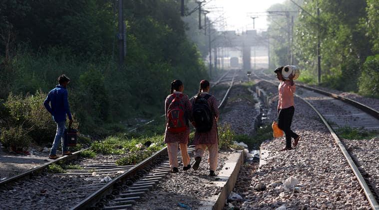 delhi, delhi government schools, delhi railway tracks, delhi railways, delhi schools, delhi slums, delhi jhuggis, jj colony, jj colony slum