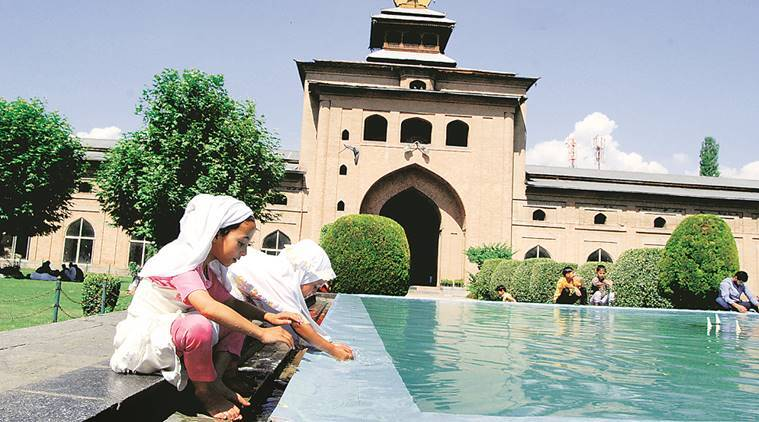 ramadan, ramadan 2019, ramadan 2019 india, Ramadan timings, Ramadan Jammu and Kashmir, Ramadan women, Women in mosques, Ramazan, Ramzan