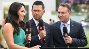 Former Australia opener Michael Slater kicked off plane after row, delayed flight
