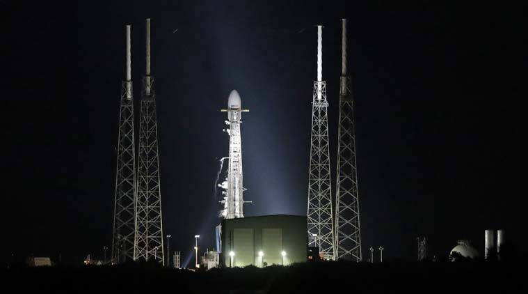 SpaceX, SpaceX satellite launch, Starlink satellites, Starlink satellites launch, Starlink satellites launch delayed, SpaceX Falcon 9, SpaceX rocket, SpaceX Falcon 9 rocket