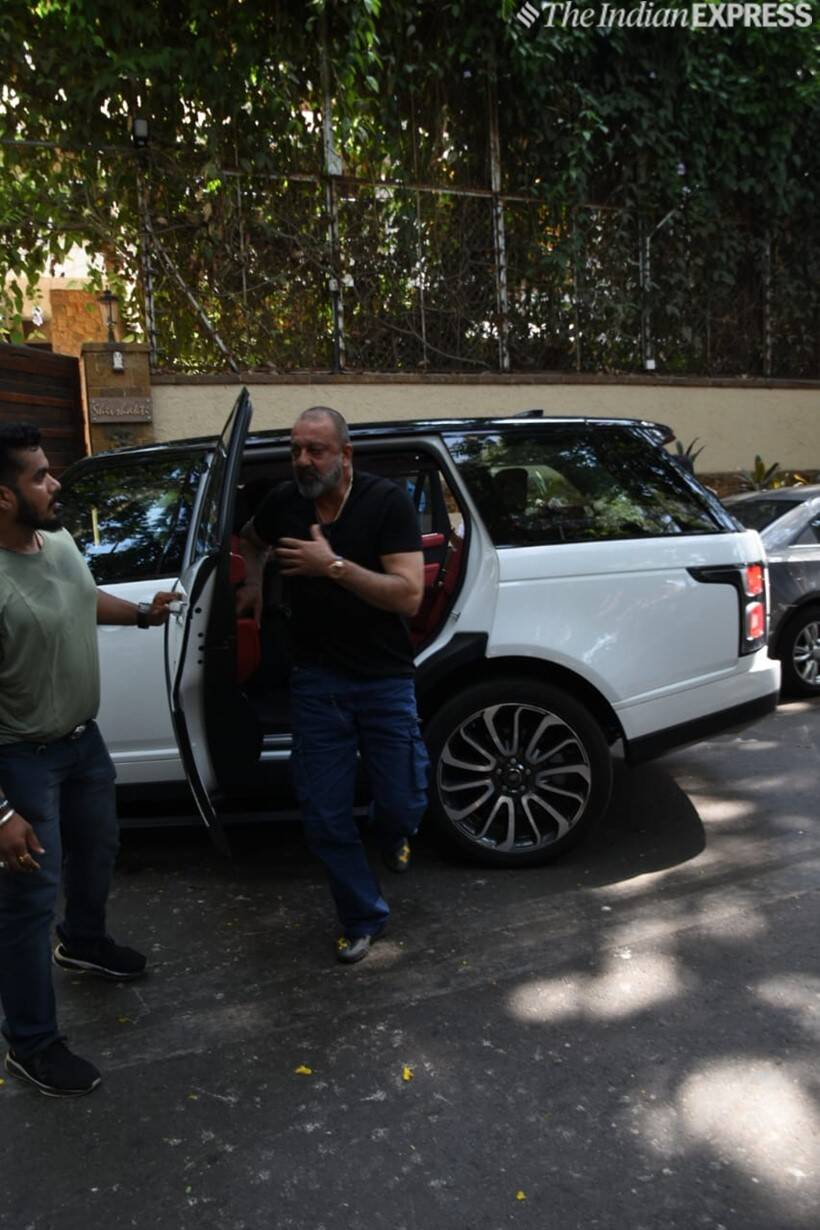 sanjay dutt at ajay devgn house