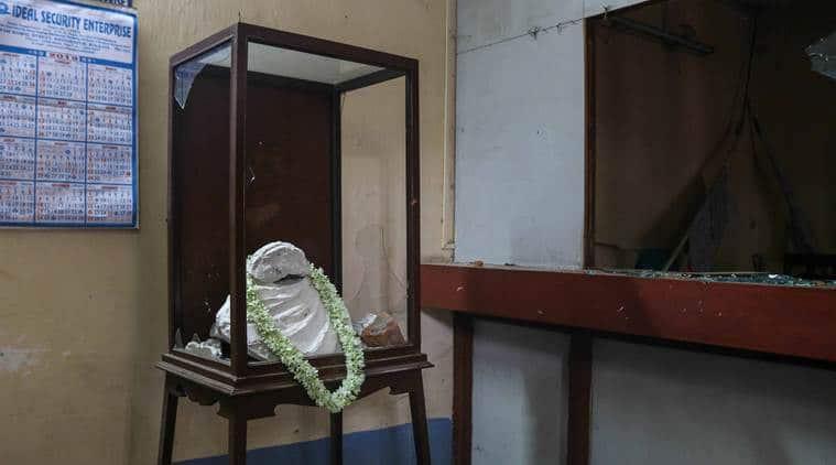 Kolkata police constitutes SIT to probe vandalism of Vidyasagar's statue