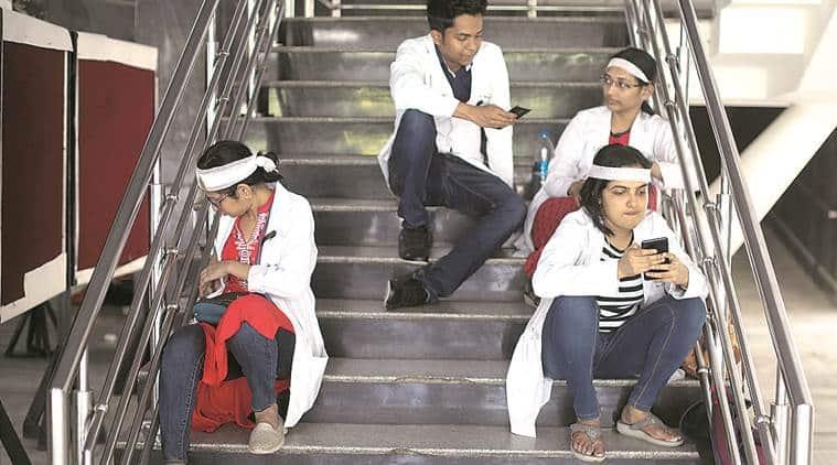 Delhi, Delhi News, doctors strike, aiims, aiims strike, aiims doctors strike, mamata banerjee, mamata doctors protest, bengal doctors protest, doctors protest bengal, nrs hospital kolkata West Bengal, bengal hospital clashes, NRS hospital kolkata west bengal, bengal doctors strike, Nilratan Sircar Medical College kolkata, bjp bengal protests, tmc, trinamool congress, bjp in bengal, west bengal bjp, clashes in west bengal, bjp tmc clashes, west bengal government, india news, Indian Express
