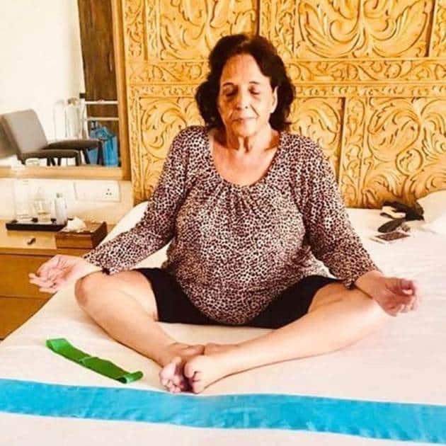 International Yoga Day, Yoga Day, Akshay Kumar, Jacqueline Fernandez, Parineeti Chopra, Hema Malini, Sidharth Malhotra, Tusshar Kapoor, Anupam Kher, Sidharth Malhotra, Farah Khan, Sonu Sood, Vivek Anand Oberoi, International Yoga Day photos, celebs International Yoga Day photos