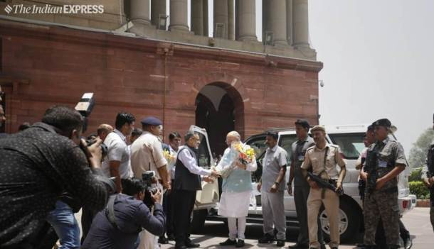 Amit Shah takes charge as Home Minister002