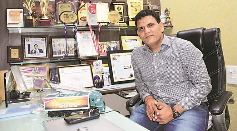 iim, iim case study, auto driver iim case study, Pyare Khan, auto driver, nagpur auto driver, auto driver loan,