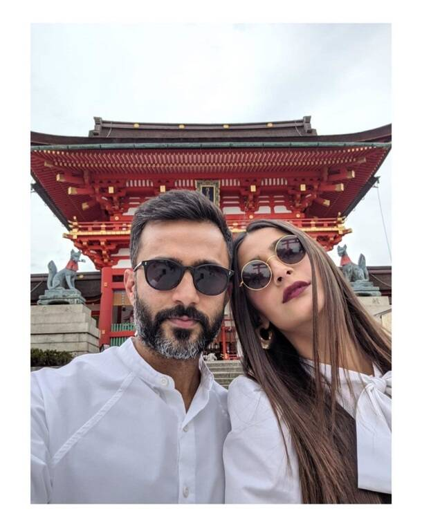 sonam kapoor with anand ahuja in japan