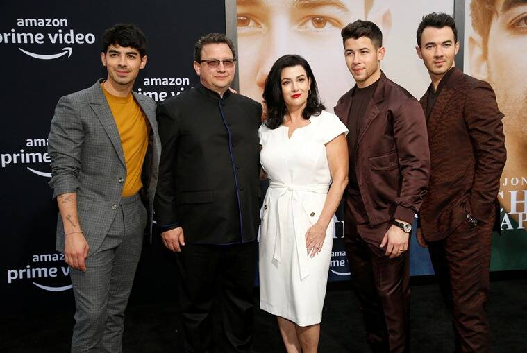 jonas family chasing happiness premiere