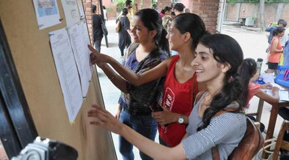 DU mulls early cut-offs for students to weigh options