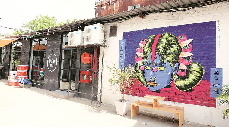 Delhi: Eight held in 'rave party' bust, police seize drugs, tablets