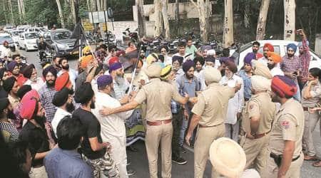 harsimrat kaur badal, Delhi police, sikh man attacked Delhi, sikh man clash Delhi police, punjab news