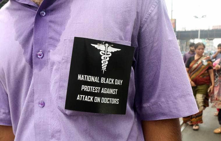 Doctors strike, Bengal doctors strike, NRS Hospital, Indian medical Association, IMA, Mamata Banerjee, NRS Medical College, Doctors protests, Indian Express