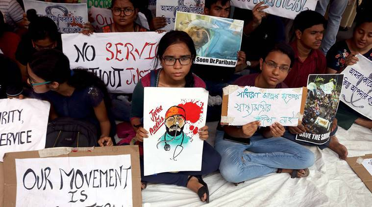 West Bengal stir: Doctors resign, demand unconditional apology from Mamata to call off protests